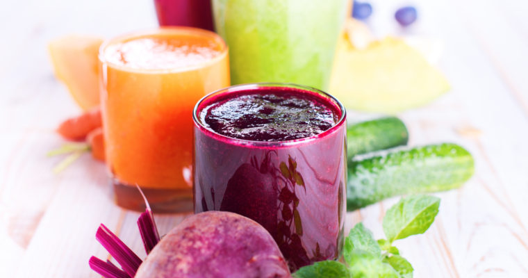 Juicing Vs. Blending: Which is Right for You?
