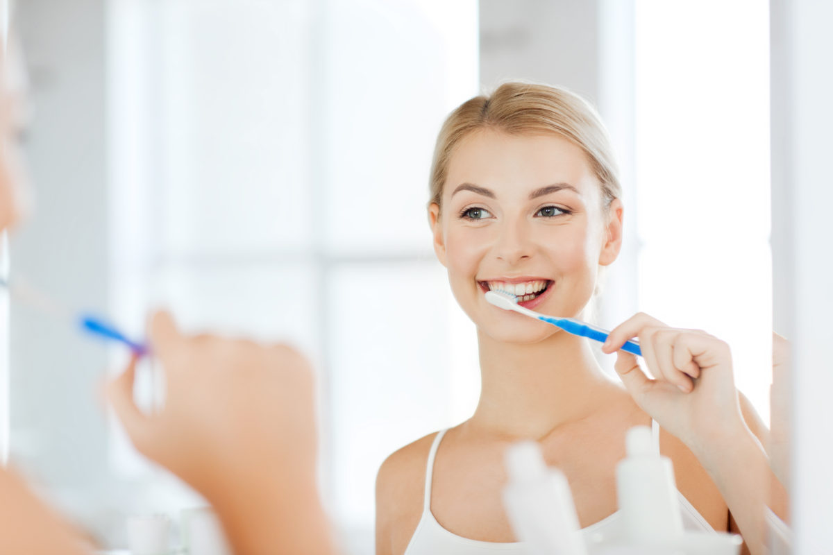 Foods that Naturally Whiten Your Teeth!